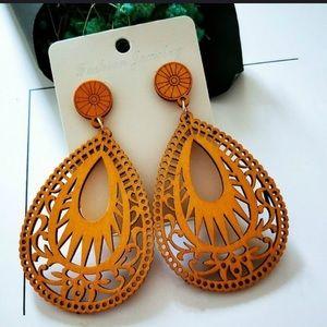 EARRINGS | Water Drop Carved Dangle Earrings